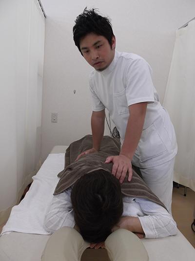手技治療の様子